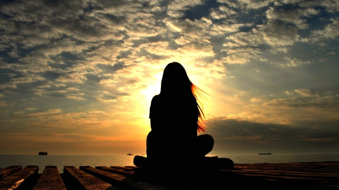 6360180998994647851090598630_womans-sunset-silhouette
