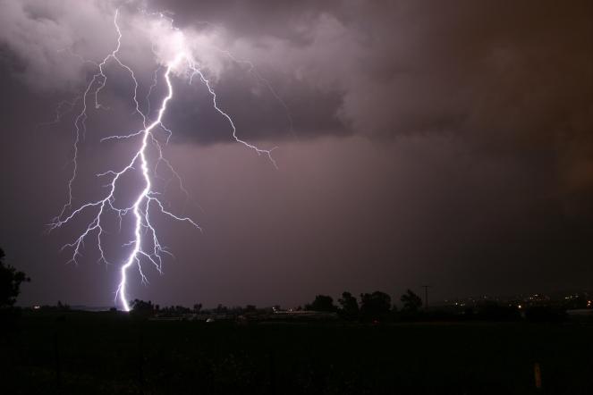 lightning_safety_300.jpg