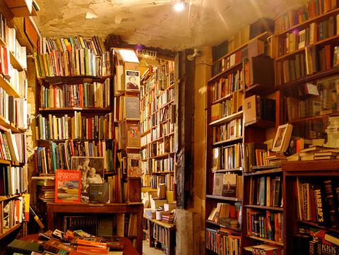 Shakespeare-Company-bookshop