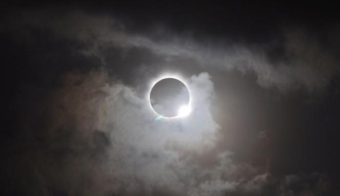 Eclipse-totale-de-soleil-en-Australie-1024x592.jpg