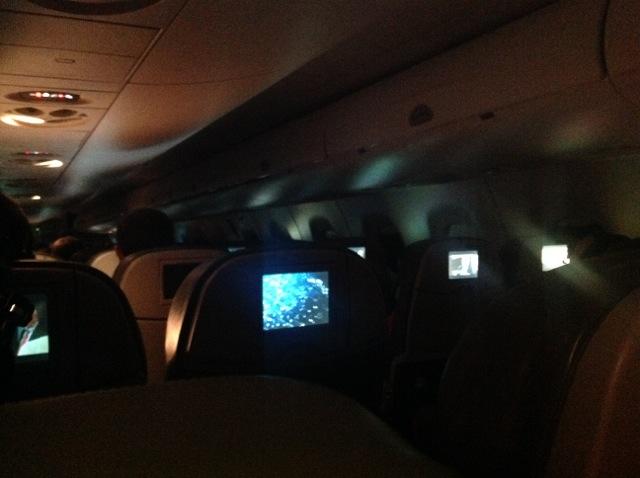 plane_at_night