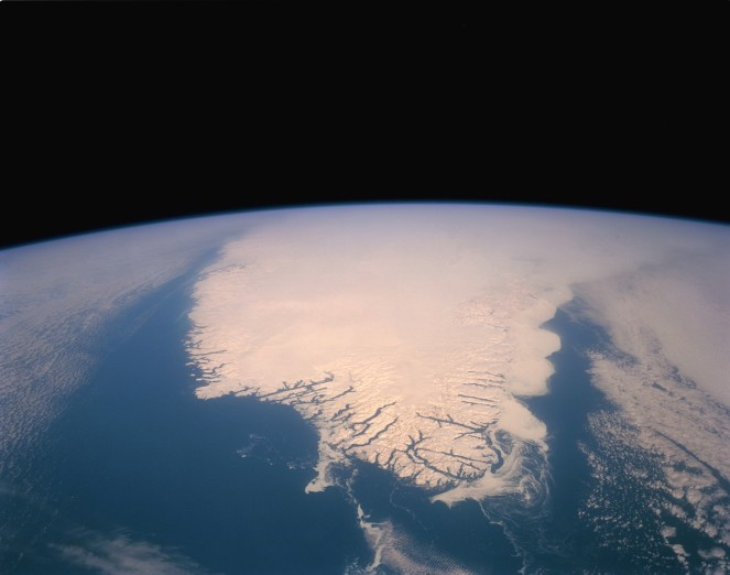 STS045-152-105_Southern_Tip_of_Greenland