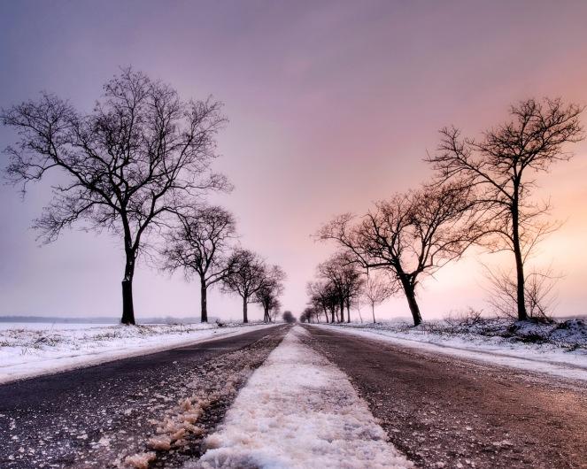 Snowy-winter-road-1280-1024